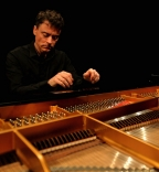 Paul Lewis - Haydn's piano sonatas - Part Four