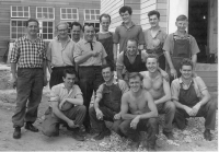 Miki Sekers and builders - 1959